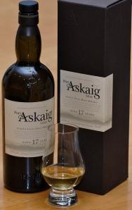 A pour of Port Askaig 17